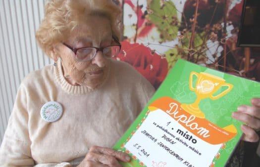 Diplom od Mezi námi pro SeniorCentrum Klamovka